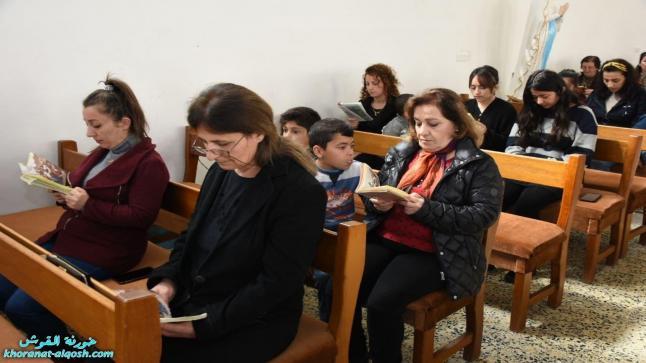 بالصور … مراسيم درب الصليب المقدس للجمعة الثالثة في كنائس القوش