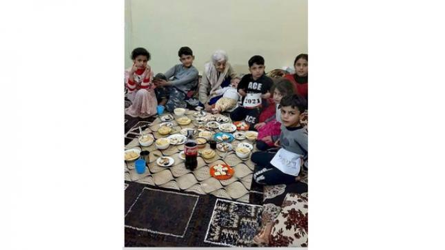 عائلة مسلمة تحتضن مسيحيتين: كاميللة هداد وماري فتوحي اثناء احتلال داعش