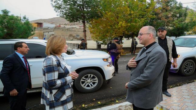 وزيرة الهجرة والمهجرين تزور بلدة القوش