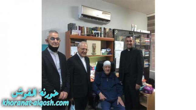 البطريرك ساكو يزور الاب البير ابونا بعد أجراء عملية جراحية له