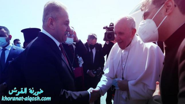 محافظ ذي قار يهدي قداسة البابا فرنسيس مقتنيات تمثل جزءاً من ثقافة وتاريخ العراق