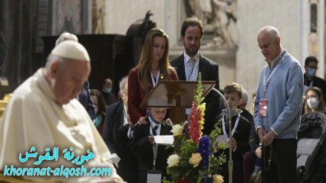 البابا فرنسيس يفتتح ماراثون صلاة المسبحة الوردية من أجل انتهاء الجائحة
