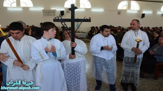 كنائس القوش تقيم مراسيم درب الصليب و الصلاة على ارواح شهداء فاجعة العبارة في الموصل