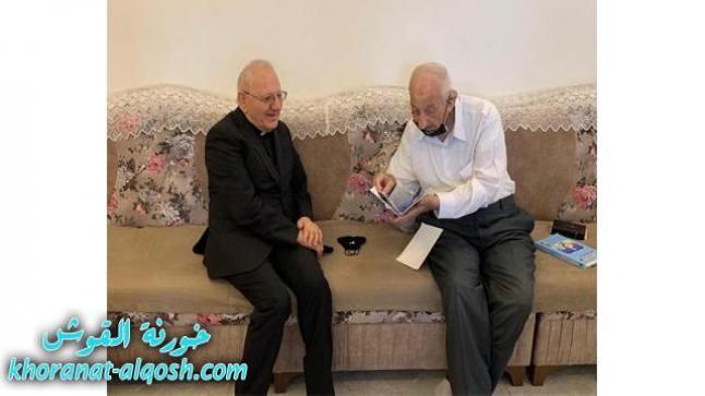 البطريرك ساكو يتفقد الأديب والشماس الموصلي بهنام حبابه