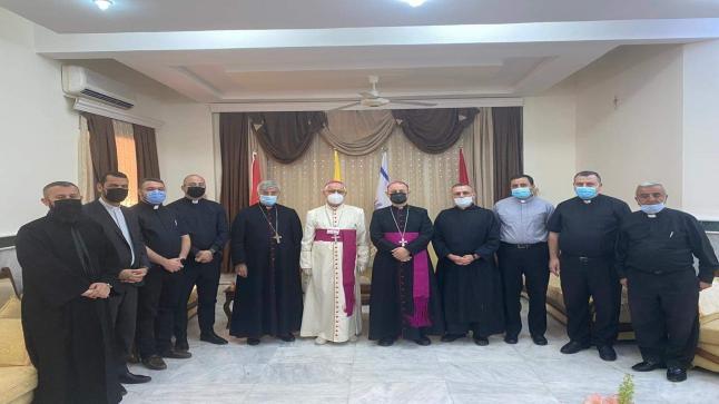 وفد من أبرشية القوش يزور أسقف أبرشية زاخو لتقديم التهاني