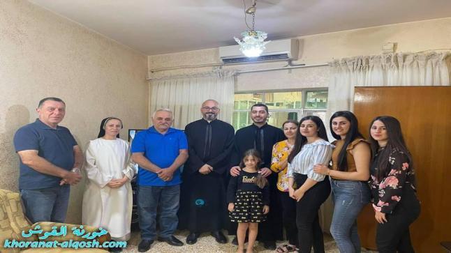 اللجنة الرعوية تواصل زياراتها المستمرة لعوائل بلدة القوش